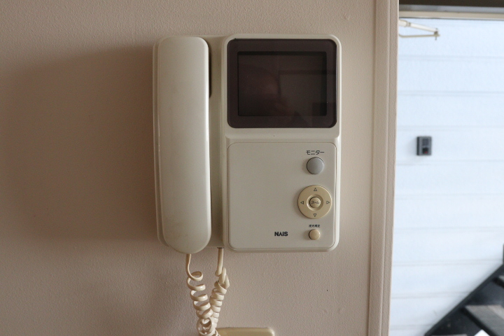 TV付きインターフォン(玄関)