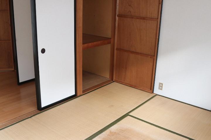 和室収納(寝室)