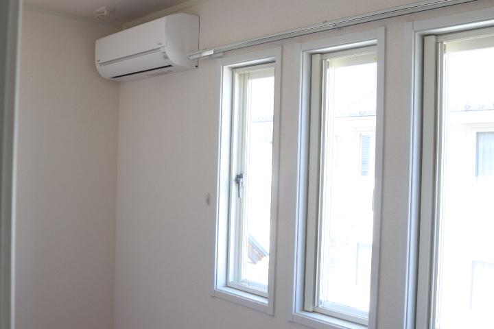 エアコン付きのサービスルーム(寝室)